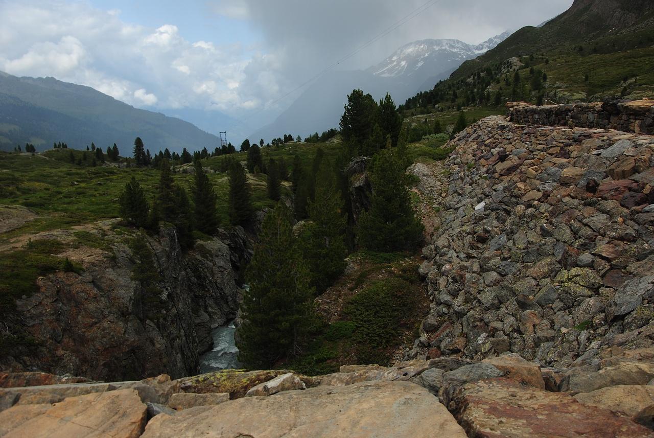 sempre squarcio della vecchia diga sulla cascata del Rio Plima