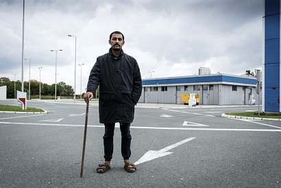 Abdul from Afghanistan, farmer. Adaševci, Serbia 2017.